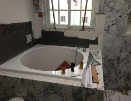 Circle bathtub