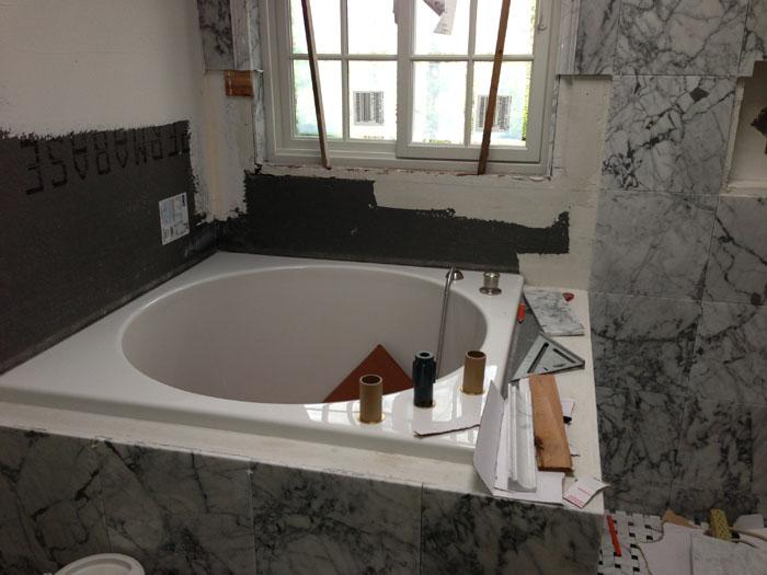 Circle bathtub